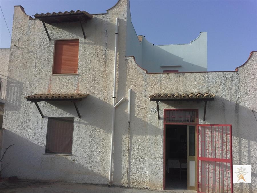 Soluzione Indipendente in vendita a Trapani, 5 locali, prezzo € 130.000 | Cambio Casa.it