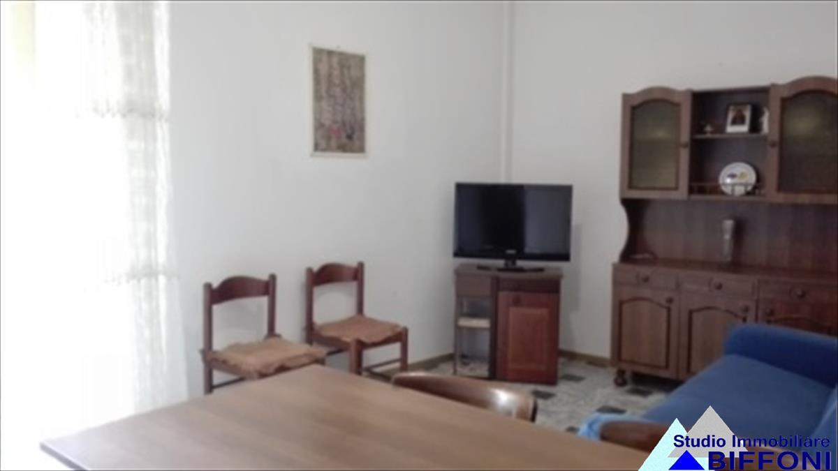 Appartamento in vendita a Chiavari, 3 locali, prezzo € 195.000 | Cambio Casa.it