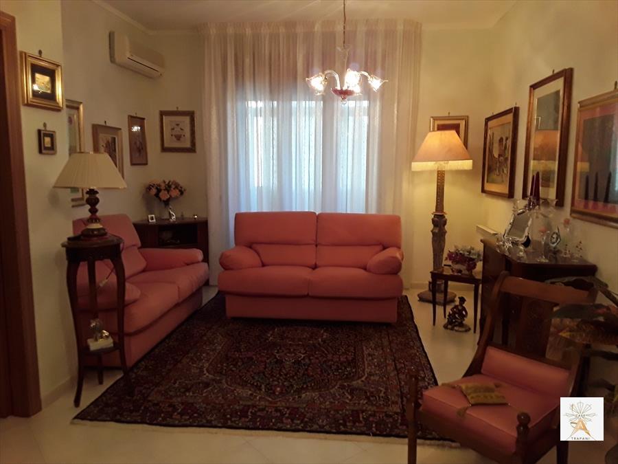 Appartamento in vendita a Erice, 4 locali, prezzo € 145.000 | CambioCasa.it