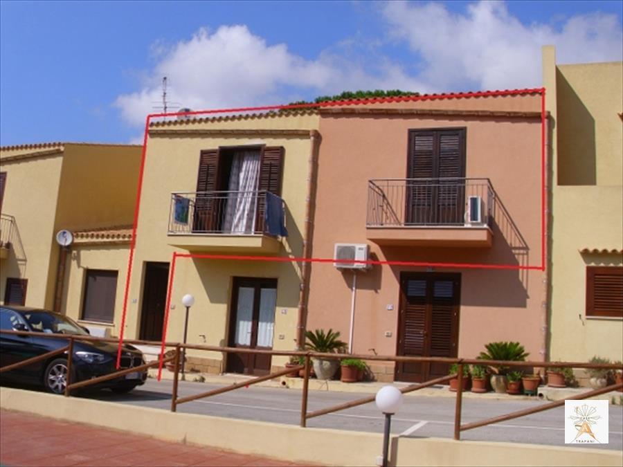 Palazzo / Stabile in Vendita a San Vito Lo Capo