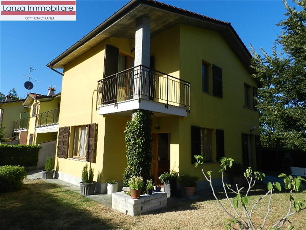 Villa in vendita a Molare, 10 locali, prezzo € 215.000   CambioCasa.it