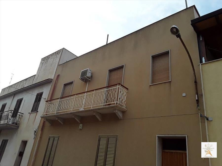 Appartamento in vendita a Trapani, 4 locali, prezzo € 125.000 | CambioCasa.it
