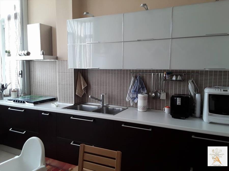 Appartamento in vendita a Trapani, 4 locali, prezzo € 95.000 | CambioCasa.it