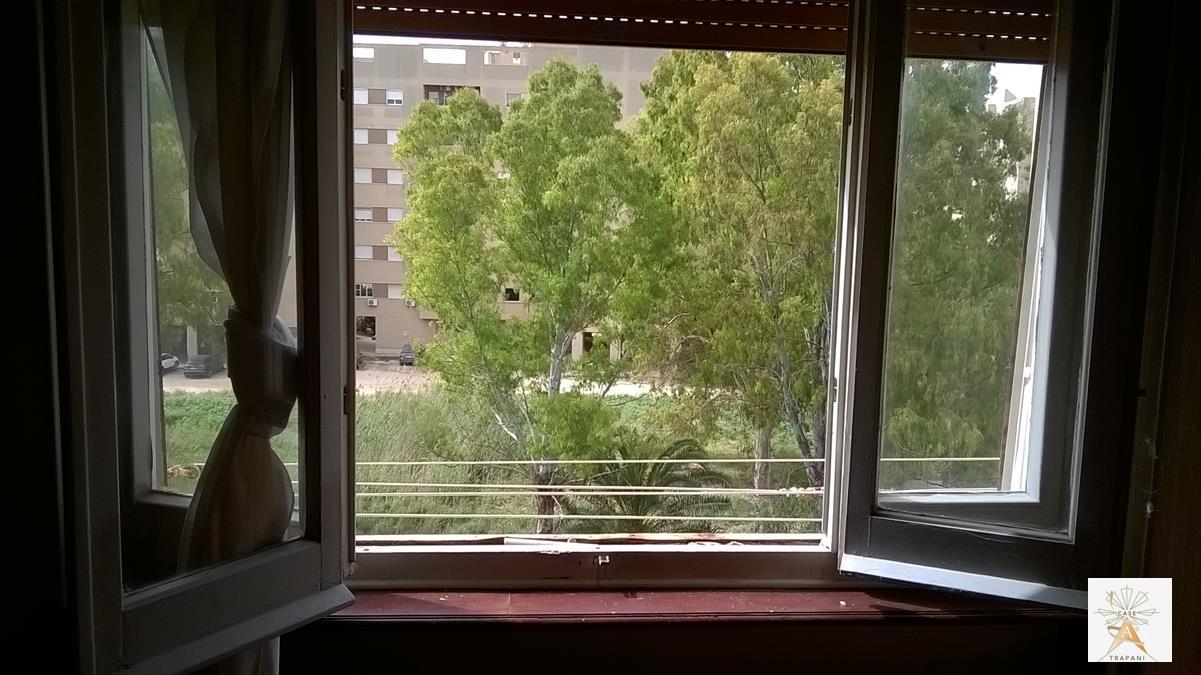 Appartamento in vendita a Trapani, 3 locali, prezzo € 60.000 | CambioCasa.it