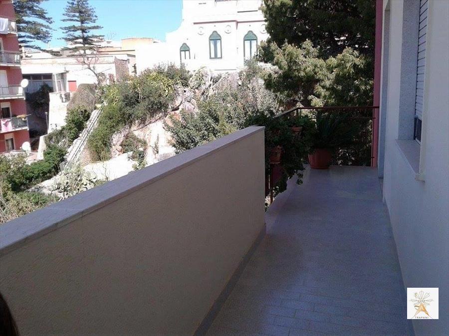 Appartamento in vendita a Trapani, 4 locali, prezzo € 105.000 | CambioCasa.it