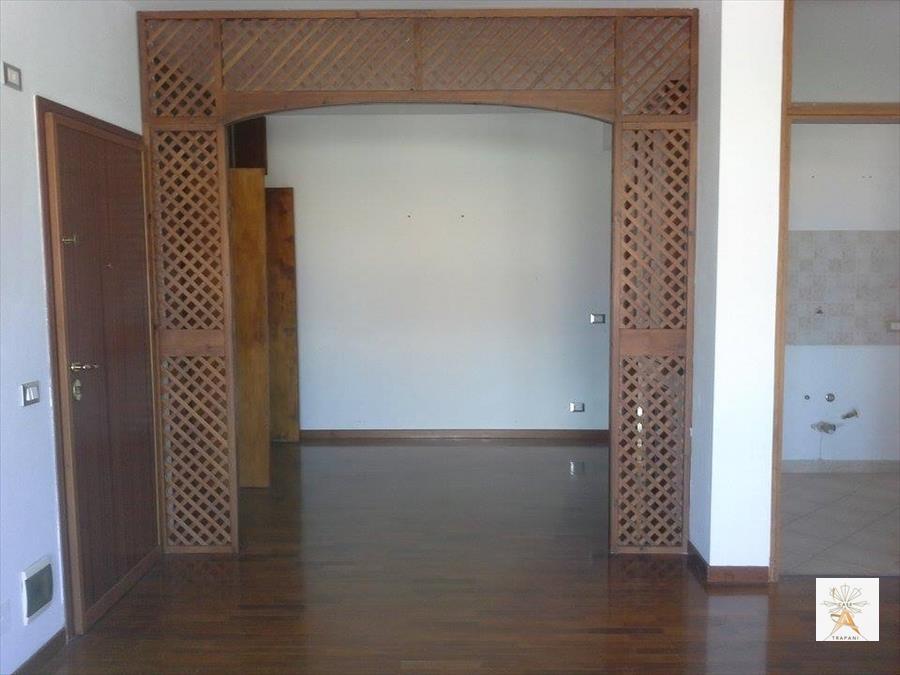 Appartamento in vendita a Erice, 3 locali, prezzo € 105.000 | CambioCasa.it