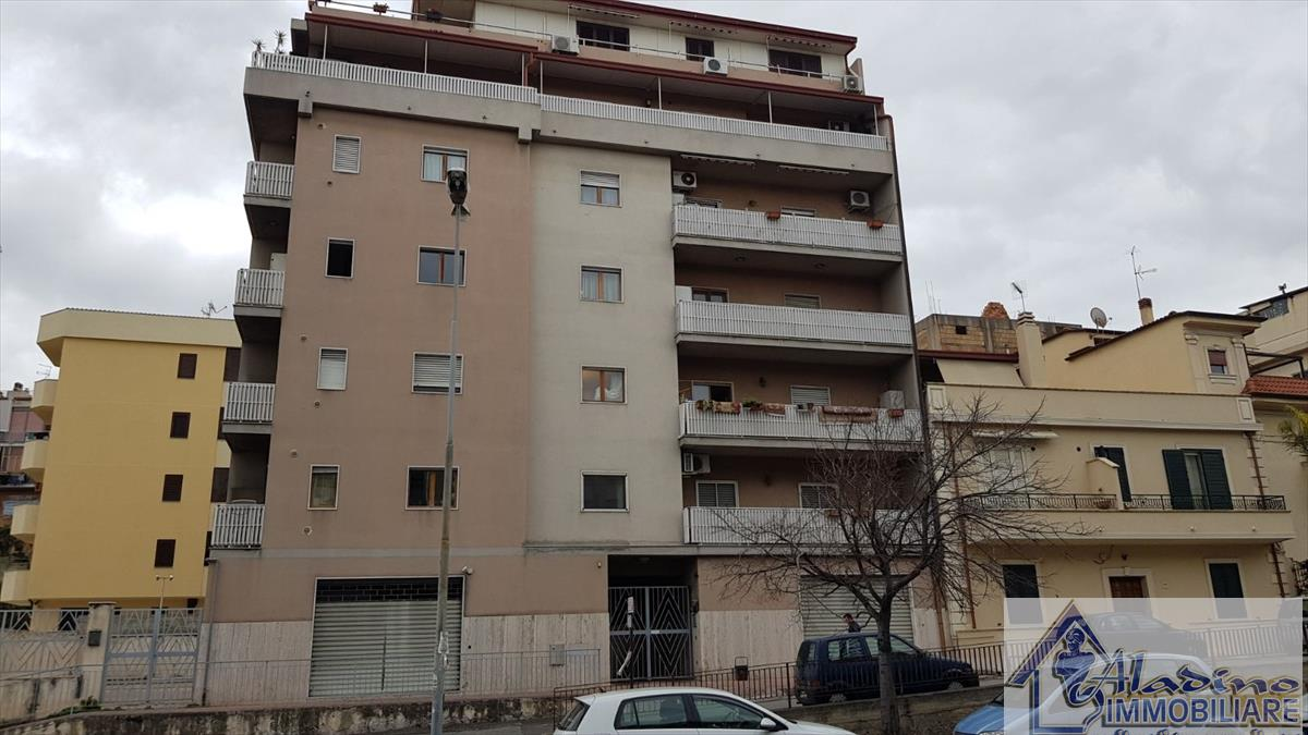 Appartamento in vendita a Reggio Calabria, 3 locali, prezzo € 79.000 | CambioCasa.it