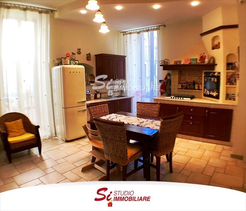 Appartamento in vendita a Ruvo di Puglia, 9999 locali, prezzo € 180.000 | CambioCasa.it