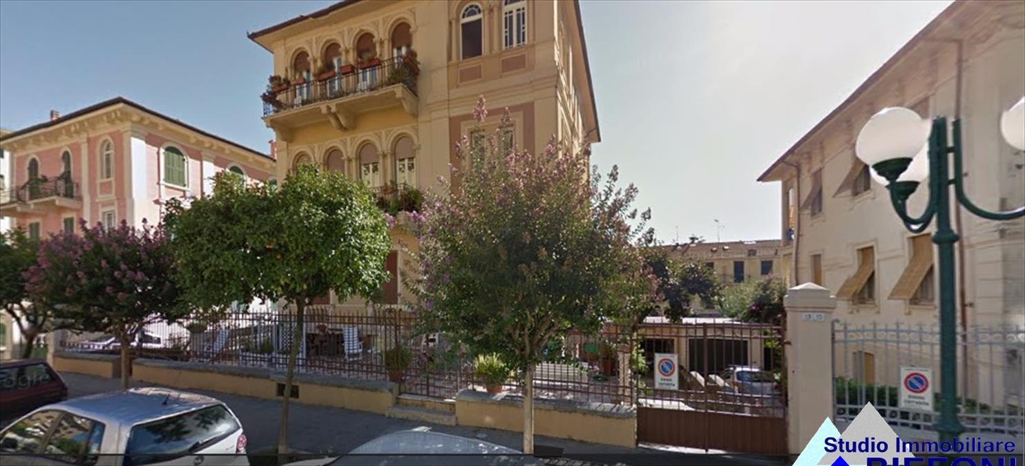 Appartamento in vendita a Chiavari, 5 locali, prezzo € 520.000 | Cambio Casa.it