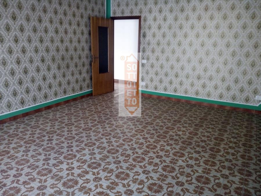 Appartamento in affitto a Corato, 4 locali, prezzo € 380 | CambioCasa.it