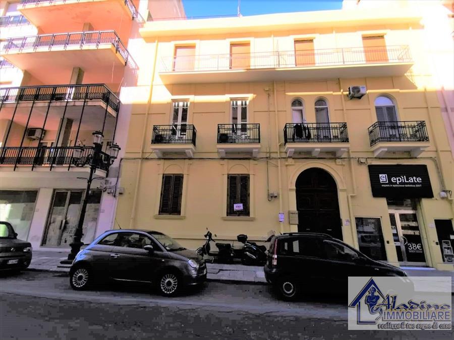 Appartamento in vendita a Reggio Calabria, 10 locali, prezzo € 249.000 | CambioCasa.it