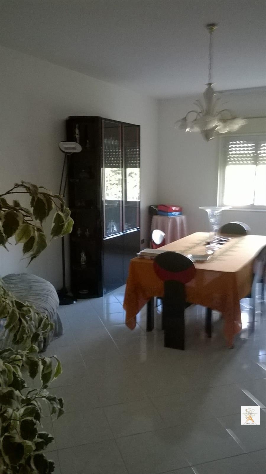 Appartamento in vendita a Trapani, 4 locali, prezzo € 110.000 | CambioCasa.it