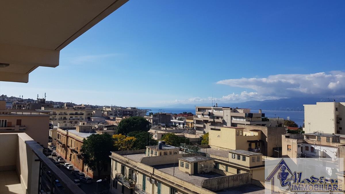 Appartamento in vendita a Reggio Calabria, 3 locali, prezzo € 215.000 | CambioCasa.it