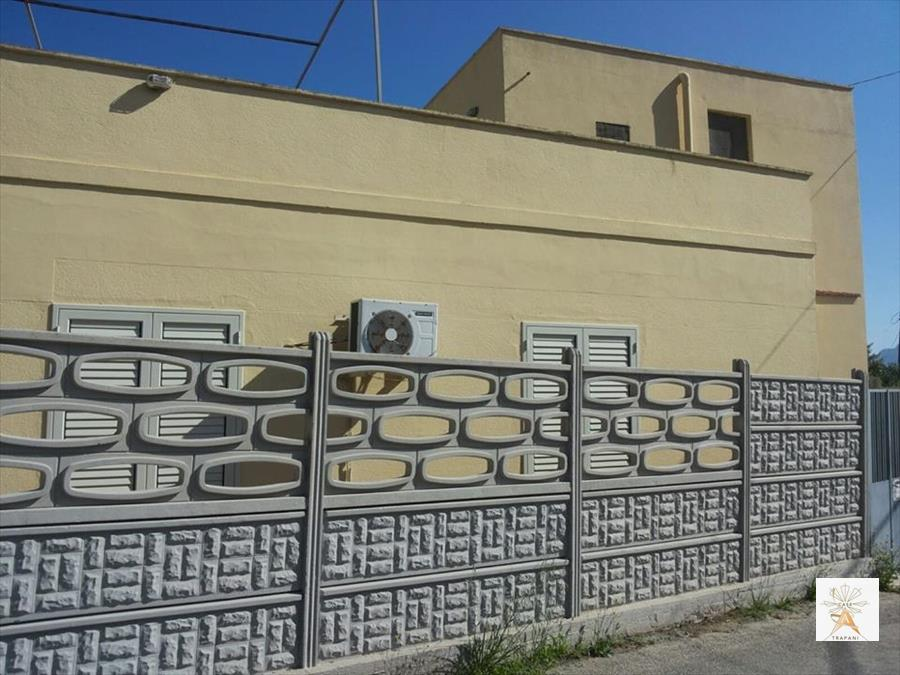 Soluzione Indipendente in vendita a Valderice, 4 locali, prezzo € 130.000 | CambioCasa.it