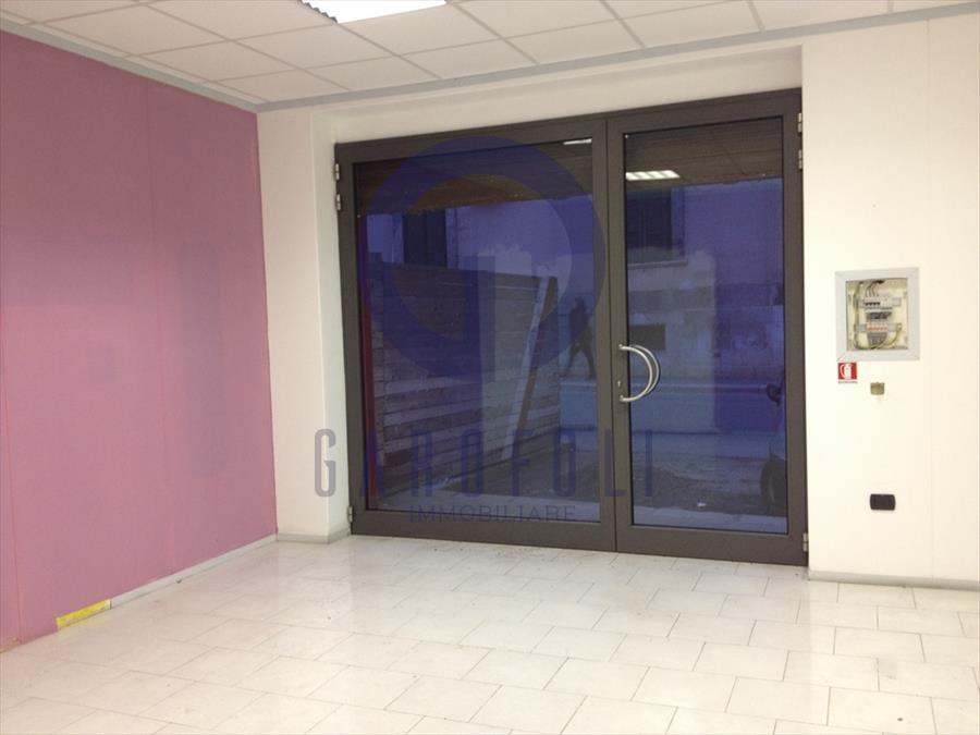 Negozio / Locale in affitto a Bisceglie, 1 locali, prezzo € 500 | Cambio Casa.it