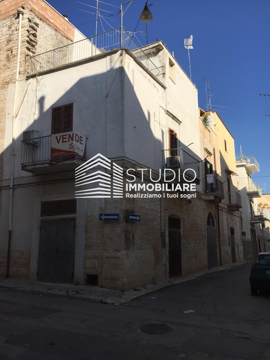 Appartamento in vendita a Ruvo di Puglia, 3 locali, prezzo € 90.000 | CambioCasa.it