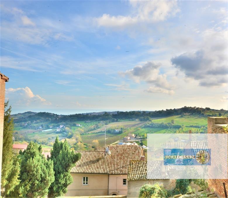 Appartamento in vendita a Potenza Picena, 5 locali, prezzo € 139.000 | CambioCasa.it