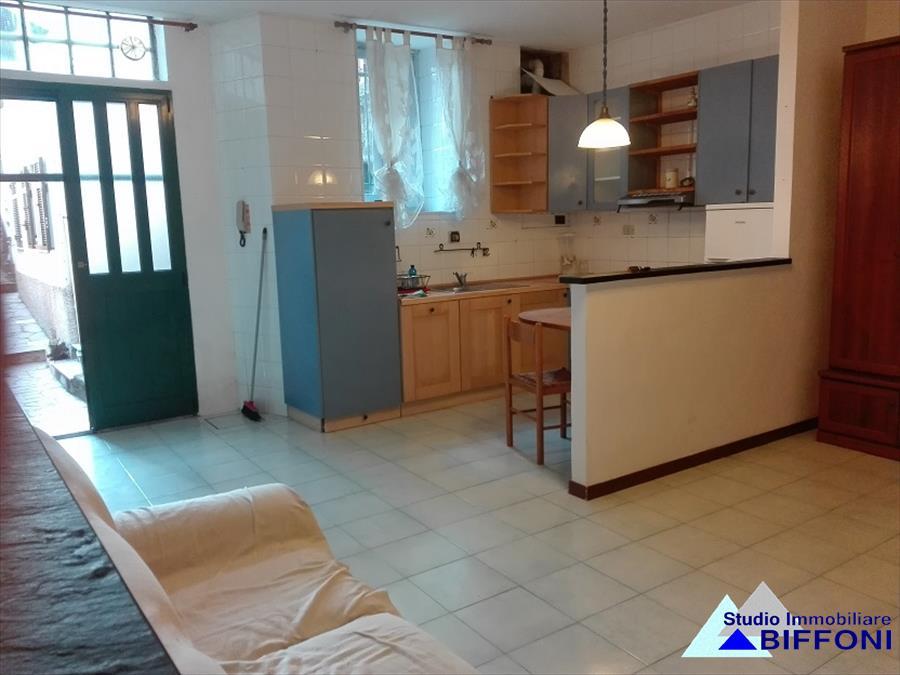 Appartamento in affitto a Chiavari, 3 locali, prezzo € 500 | CambioCasa.it