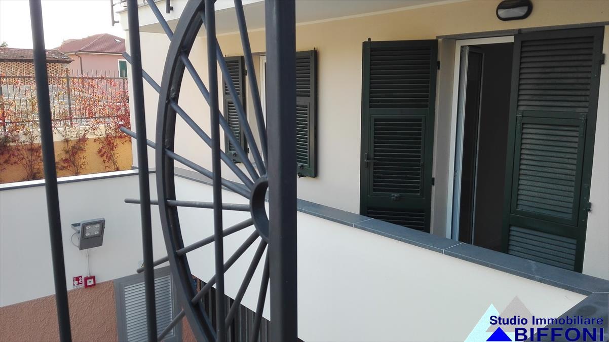 Appartamento in vendita a Chiavari, 4 locali, prezzo € 240.000 | PortaleAgenzieImmobiliari.it