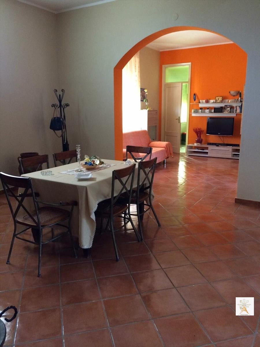 Soluzione Indipendente in vendita a Valderice, 4 locali, prezzo € 170.000 | CambioCasa.it