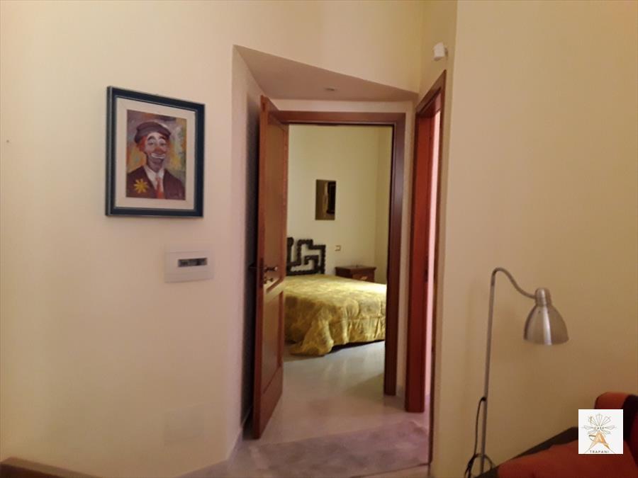 Palazzo / Stabile in vendita a Trapani, 5 locali, prezzo € 430.000 | Cambio Casa.it
