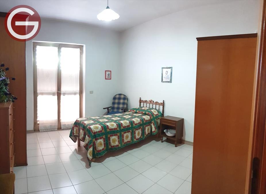 Appartamento Taurianova 696