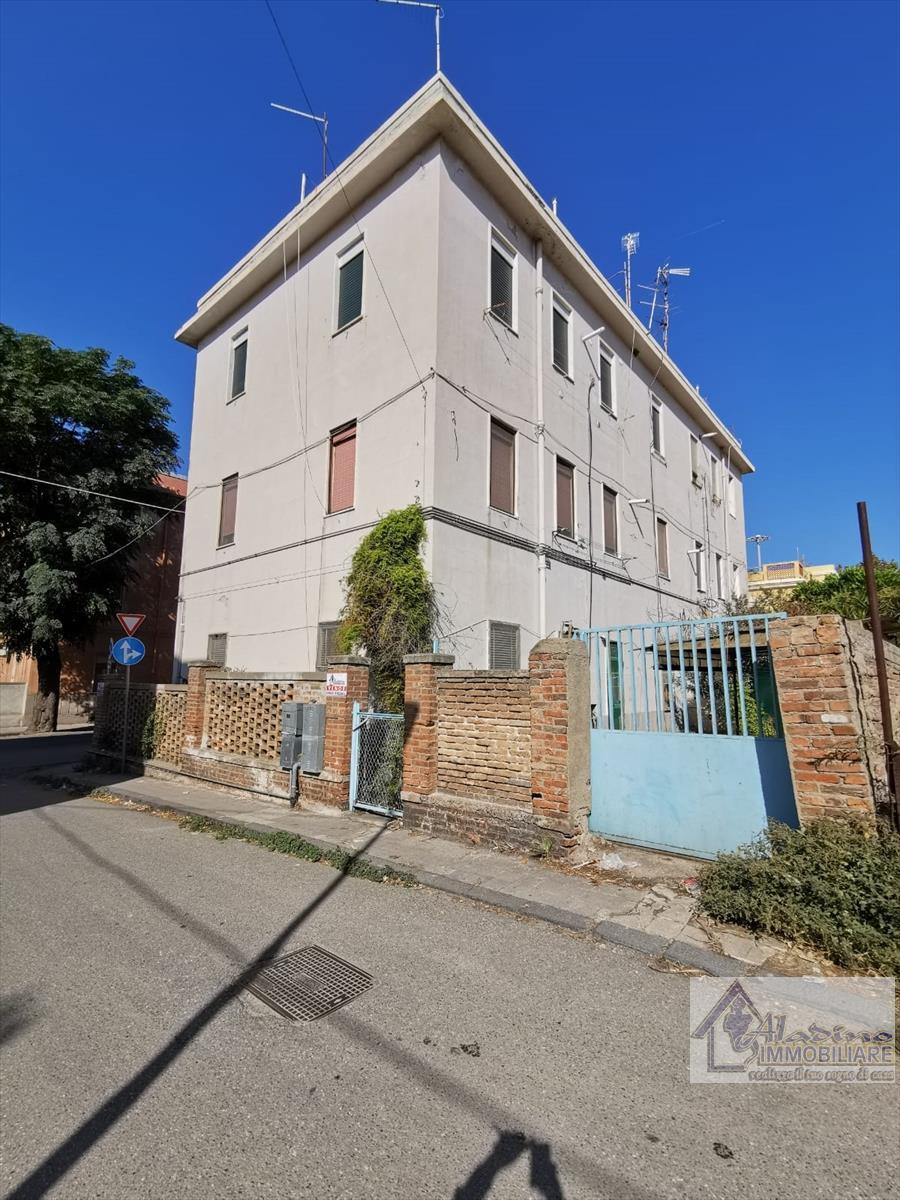 Appartamento in vendita a Reggio Calabria, 4 locali, prezzo € 98.000 | CambioCasa.it