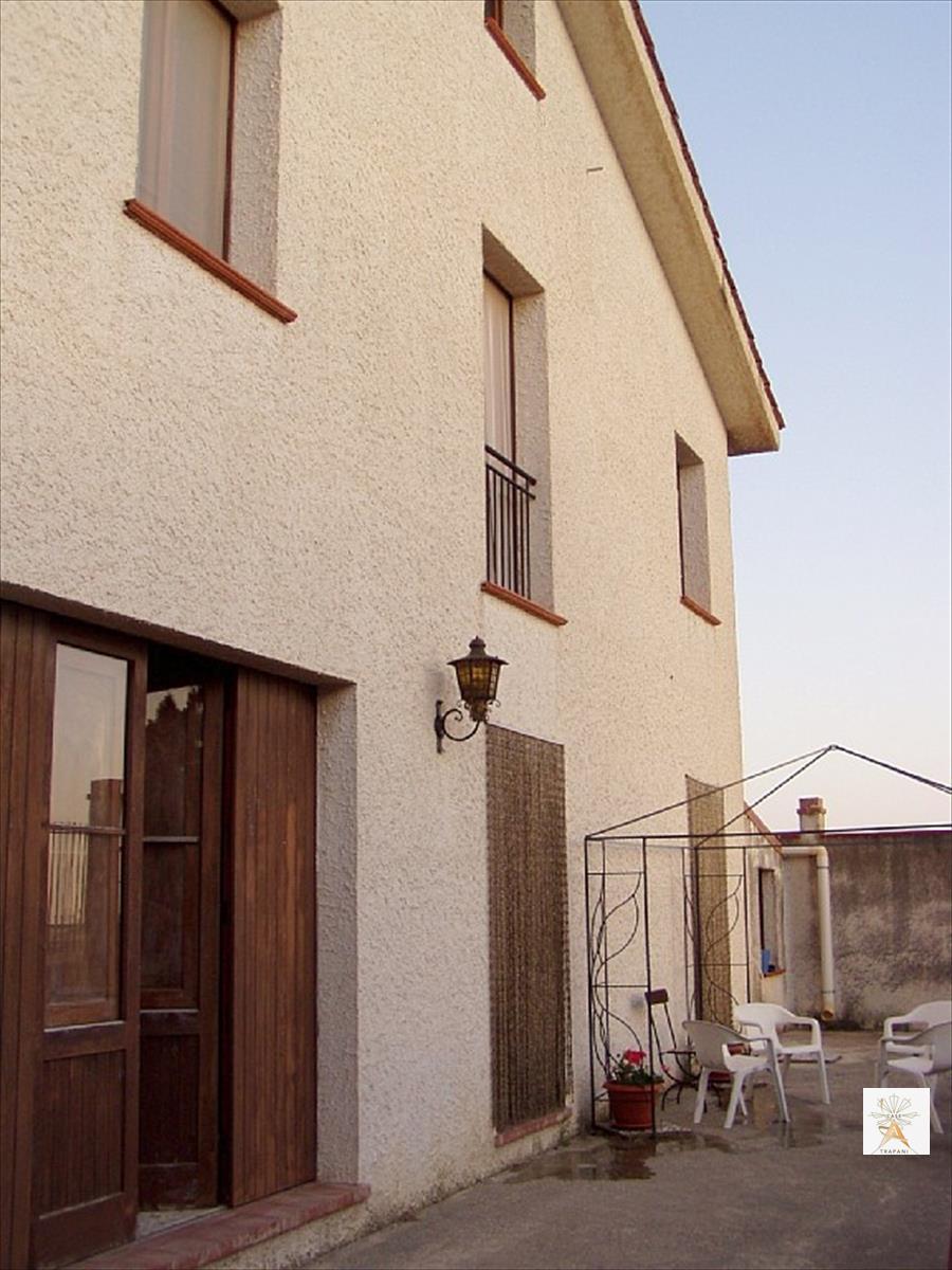 Soluzione Indipendente in vendita a Valderice, 4 locali, prezzo € 145.000 | CambioCasa.it