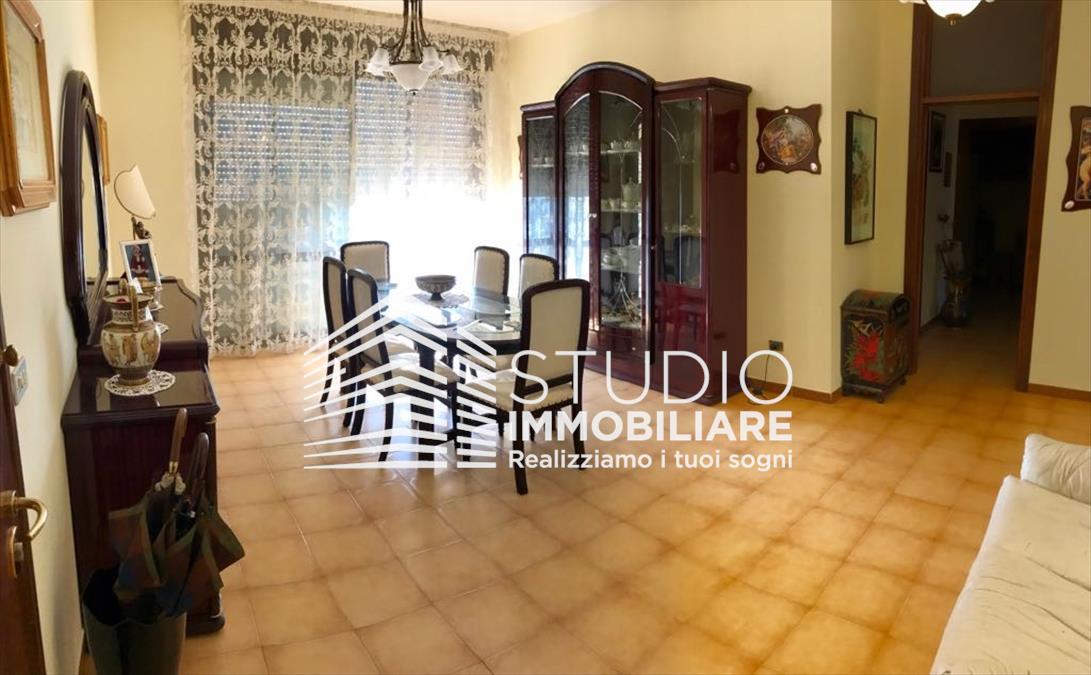 Appartamento in vendita a Ruvo di Puglia, 4 locali, prezzo € 173.000 | CambioCasa.it