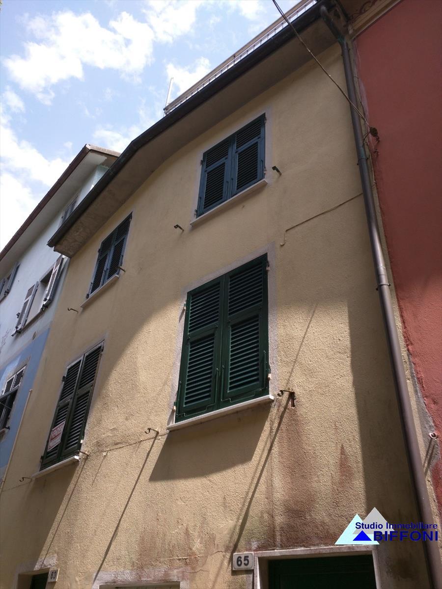 Altro in vendita a Mezzanego, 6 locali, prezzo € 55.000 | CambioCasa.it