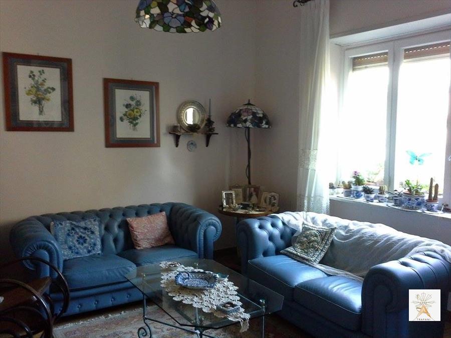 Appartamento in vendita a Trapani, 5 locali, prezzo € 210.000 | Cambio Casa.it