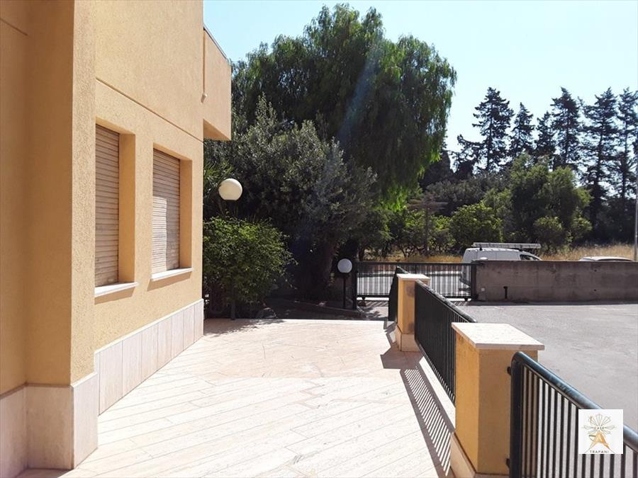 Appartamento in vendita a Trapani, 5 locali, prezzo € 200.000 | CambioCasa.it