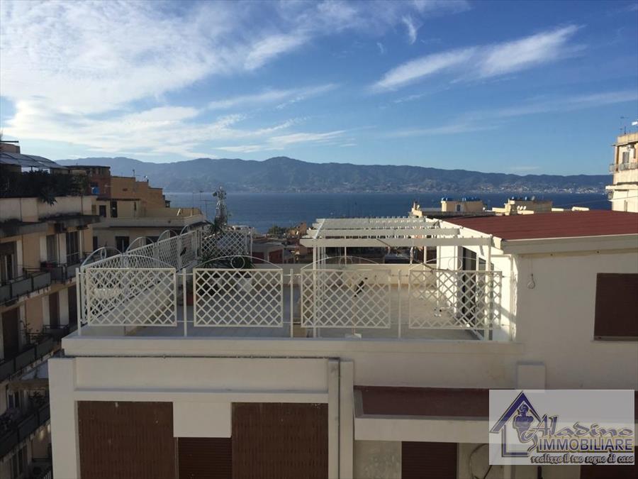 Appartamento in vendita a Reggio Calabria, 4 locali, prezzo € 149.000 | CambioCasa.it