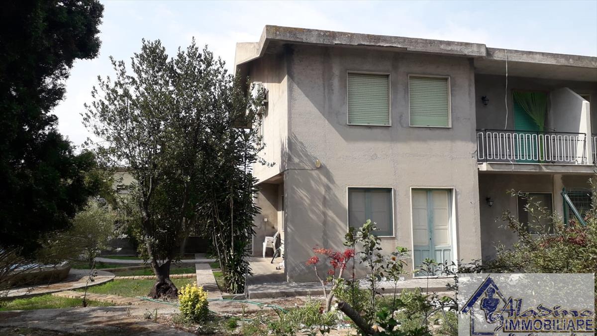 Villa in vendita a Reggio Calabria, 5 locali, prezzo € 220.000   CambioCasa.it