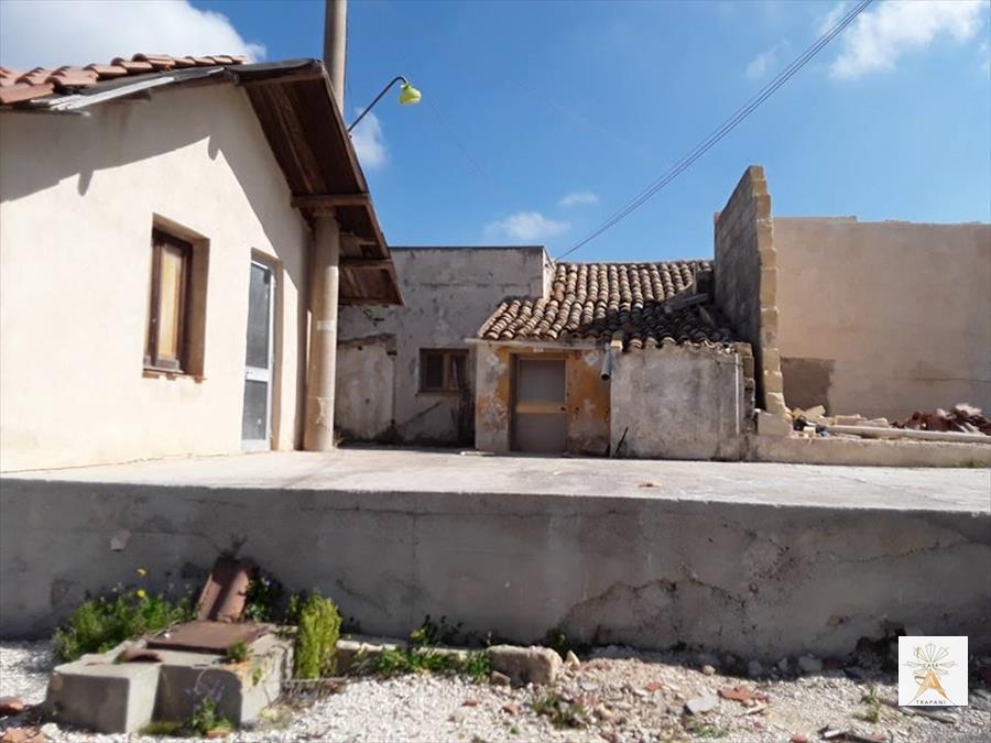 Soluzione Indipendente in vendita a Erice, 5 locali, prezzo € 55.000 | CambioCasa.it
