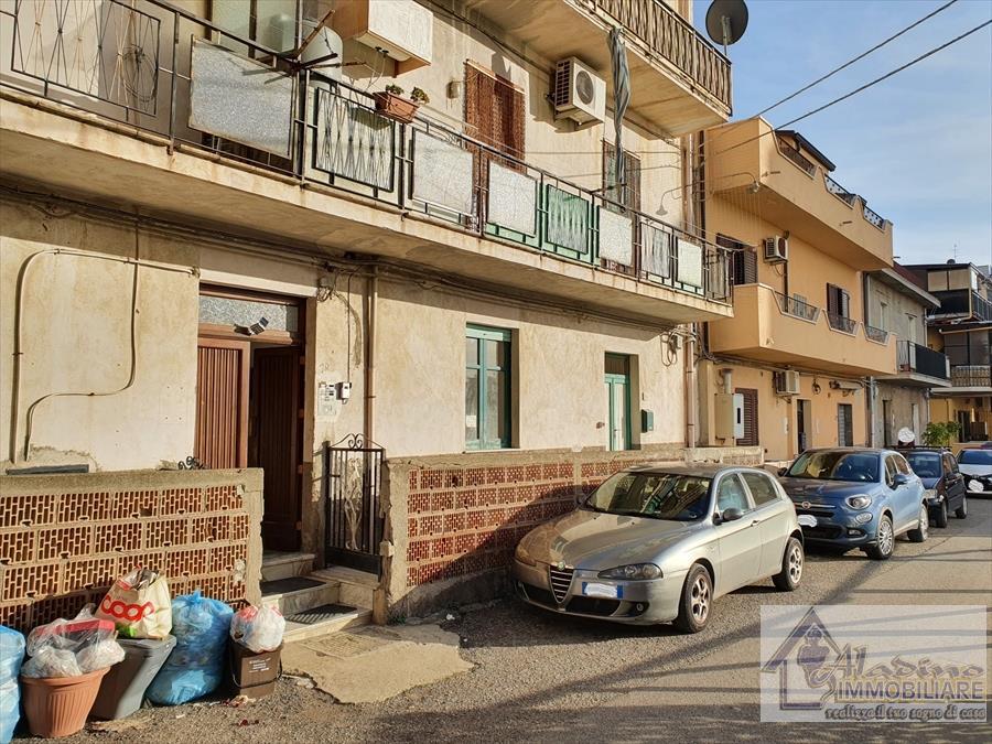 Appartamento in vendita a Reggio Calabria, 4 locali, prezzo € 65.000 | CambioCasa.it
