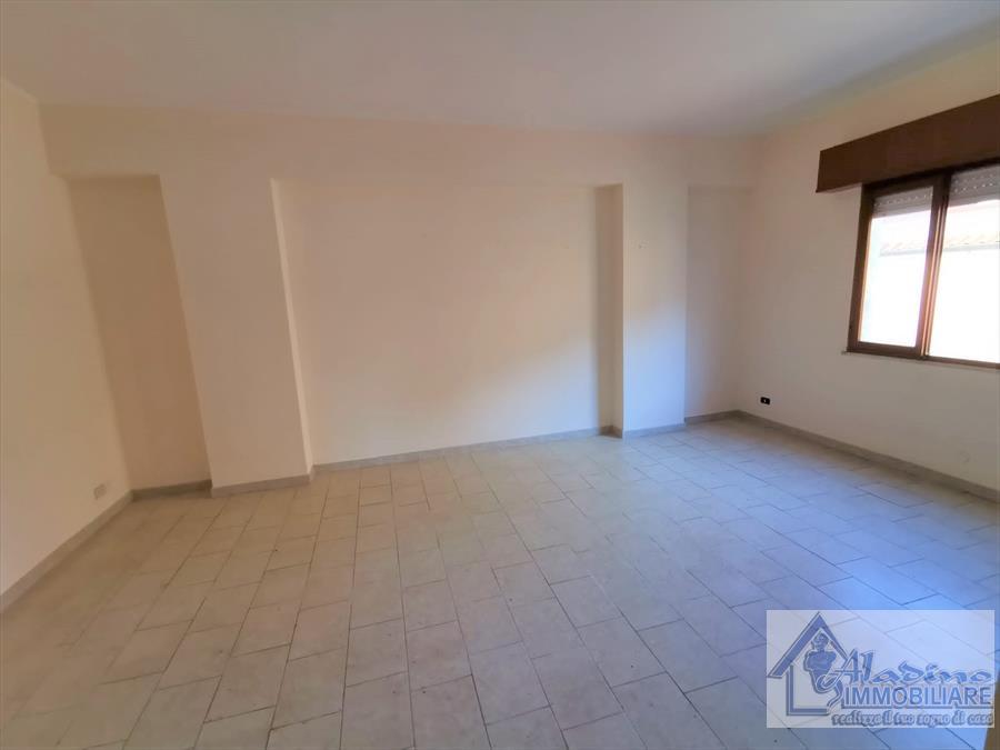 Appartamento in affitto a Reggio Calabria, 4 locali, prezzo € 370 | CambioCasa.it
