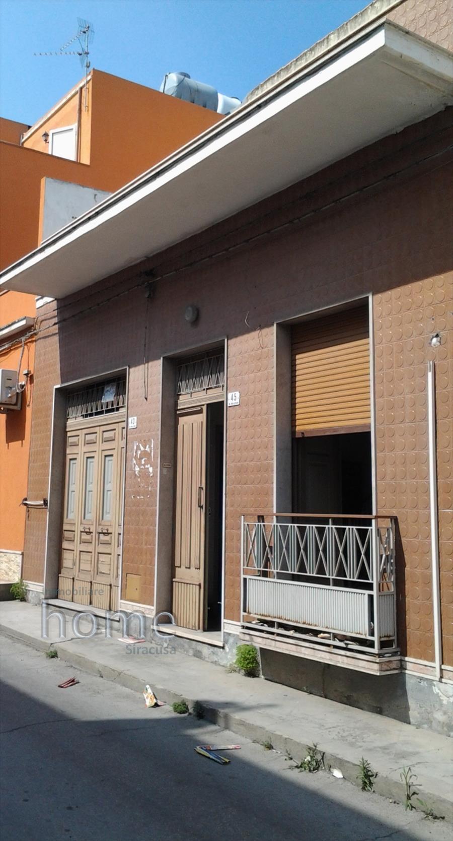 Soluzione Indipendente in vendita a Avola, 5 locali, prezzo € 85.000 | CambioCasa.it
