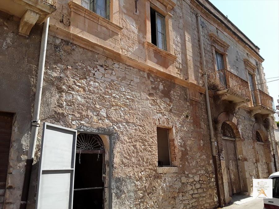 Appartamento in vendita a Erice, 10 locali, Trattative riservate | CambioCasa.it
