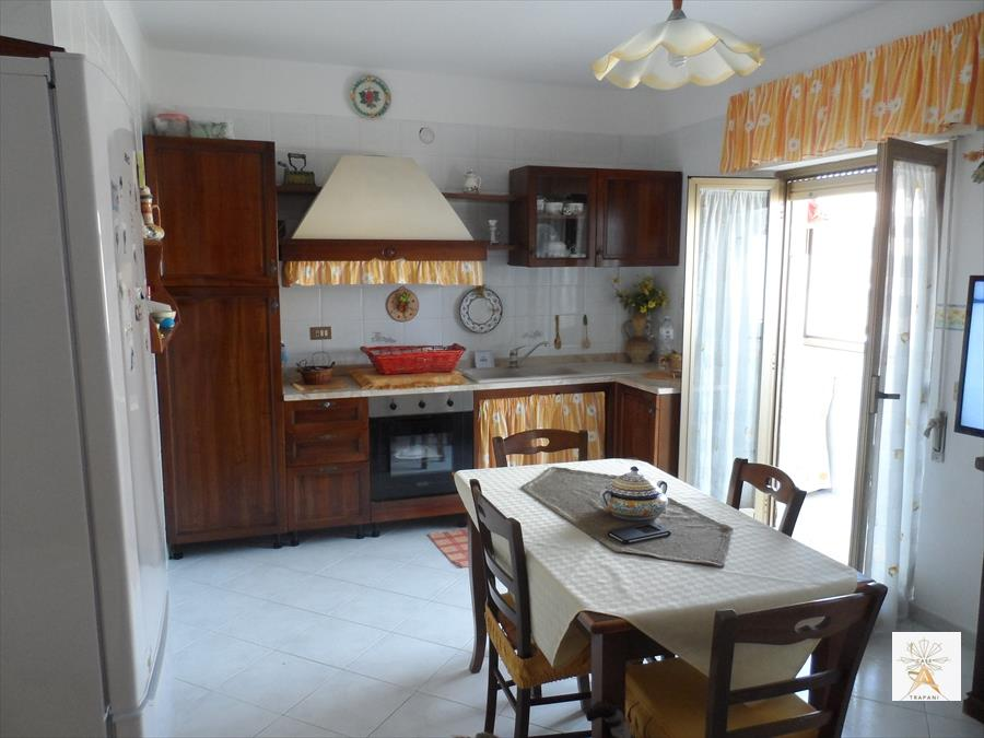 Appartamento in vendita a Erice, 4 locali, prezzo € 90.000 | CambioCasa.it