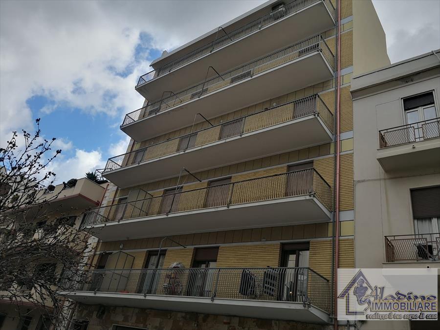 Appartamento in vendita a Reggio Calabria, 5 locali, prezzo € 255.000 | CambioCasa.it