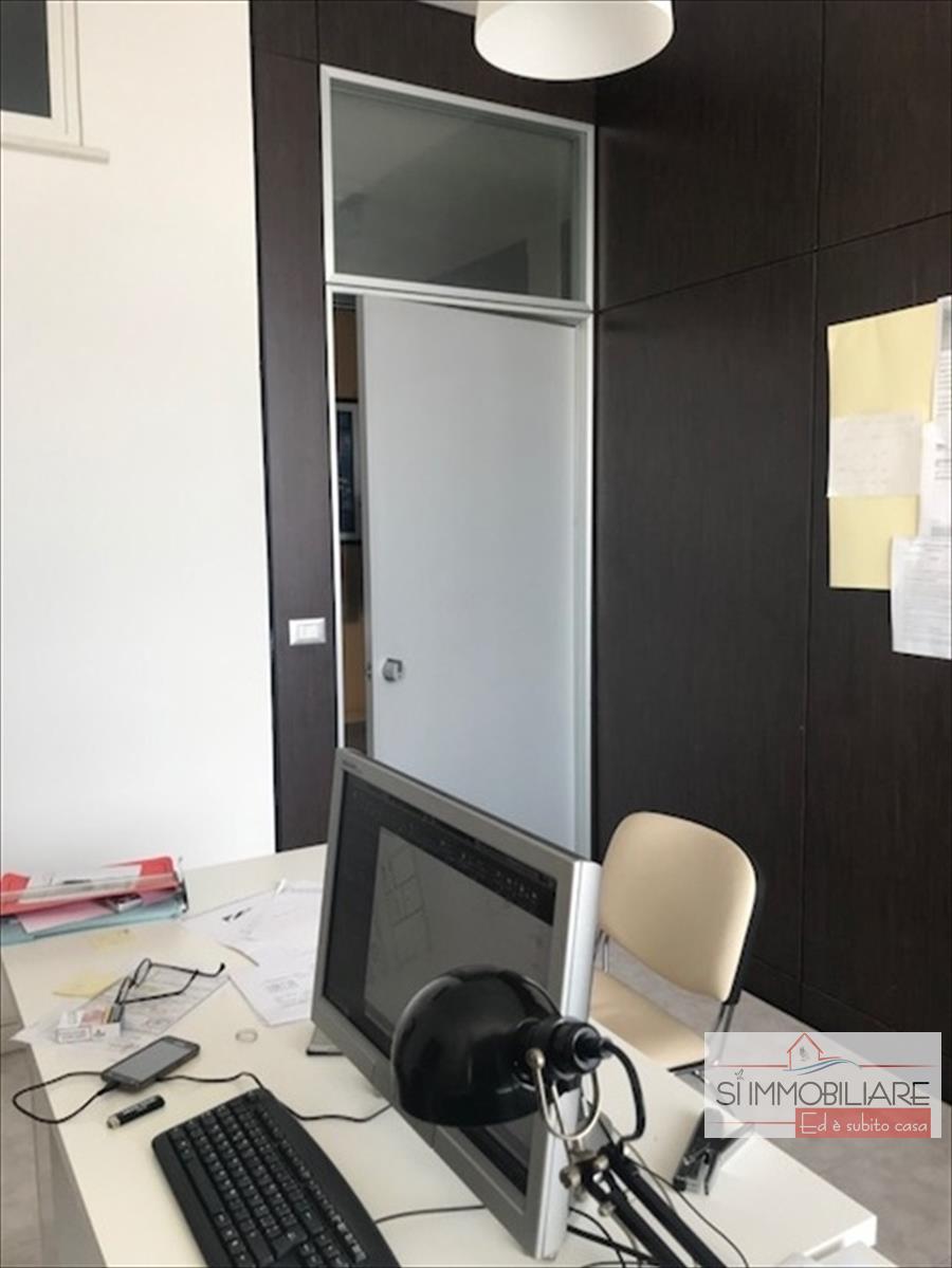 Ufficio Montesilvano 302