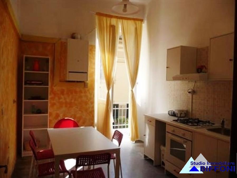 Appartamento in vendita a Chiavari, 5 locali, prezzo € 260.000   CambioCasa.it
