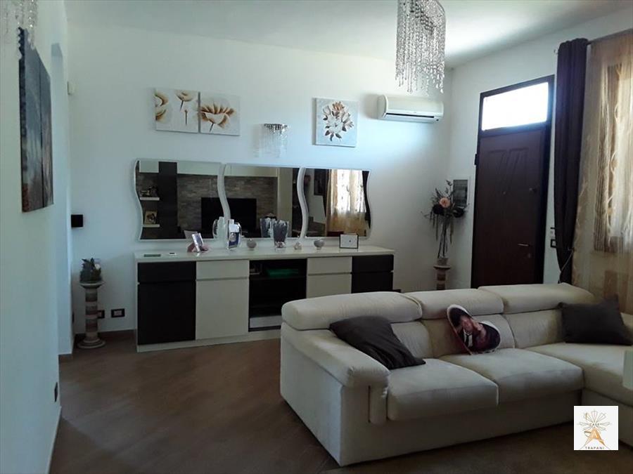 Soluzione Indipendente in vendita a Trapani, 3 locali, prezzo € 158.000 | CambioCasa.it
