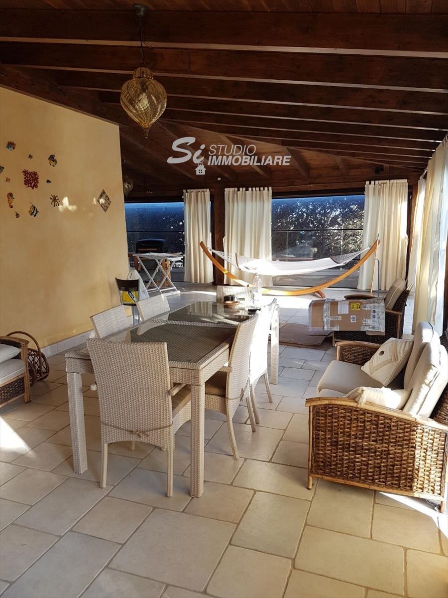 Villa in affitto a Margherita di Savoia, 4 locali, prezzo € 1.150 | CambioCasa.it