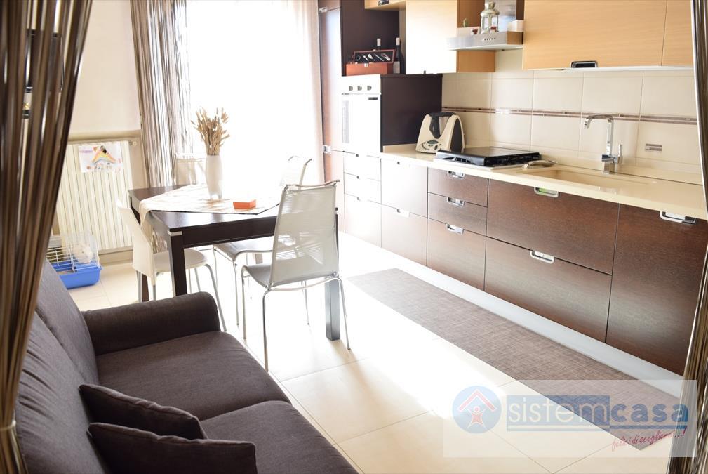 Appartamento Zona Via Castel Del Monte Corato