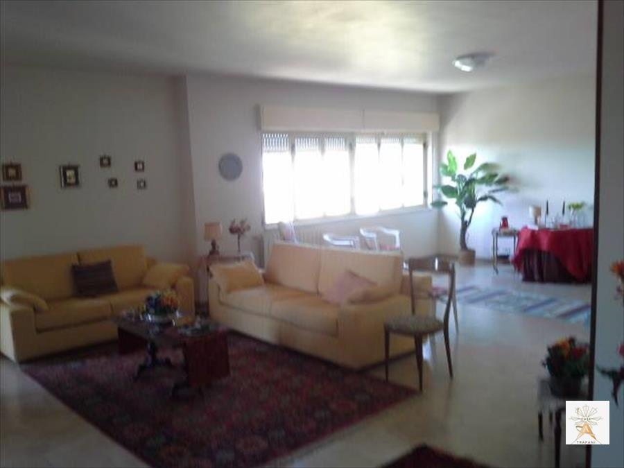 Appartamento in vendita a Erice, 5 locali, prezzo € 180.000 | CambioCasa.it