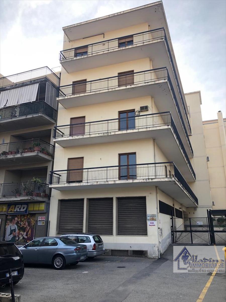 Appartamento in vendita a Reggio Calabria, 5 locali, prezzo € 139.000 | CambioCasa.it