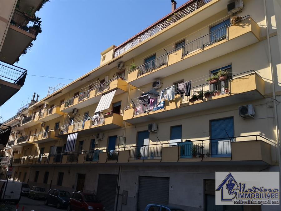 Appartamento in vendita a Reggio Calabria, 5 locali, prezzo € 88.000 | CambioCasa.it