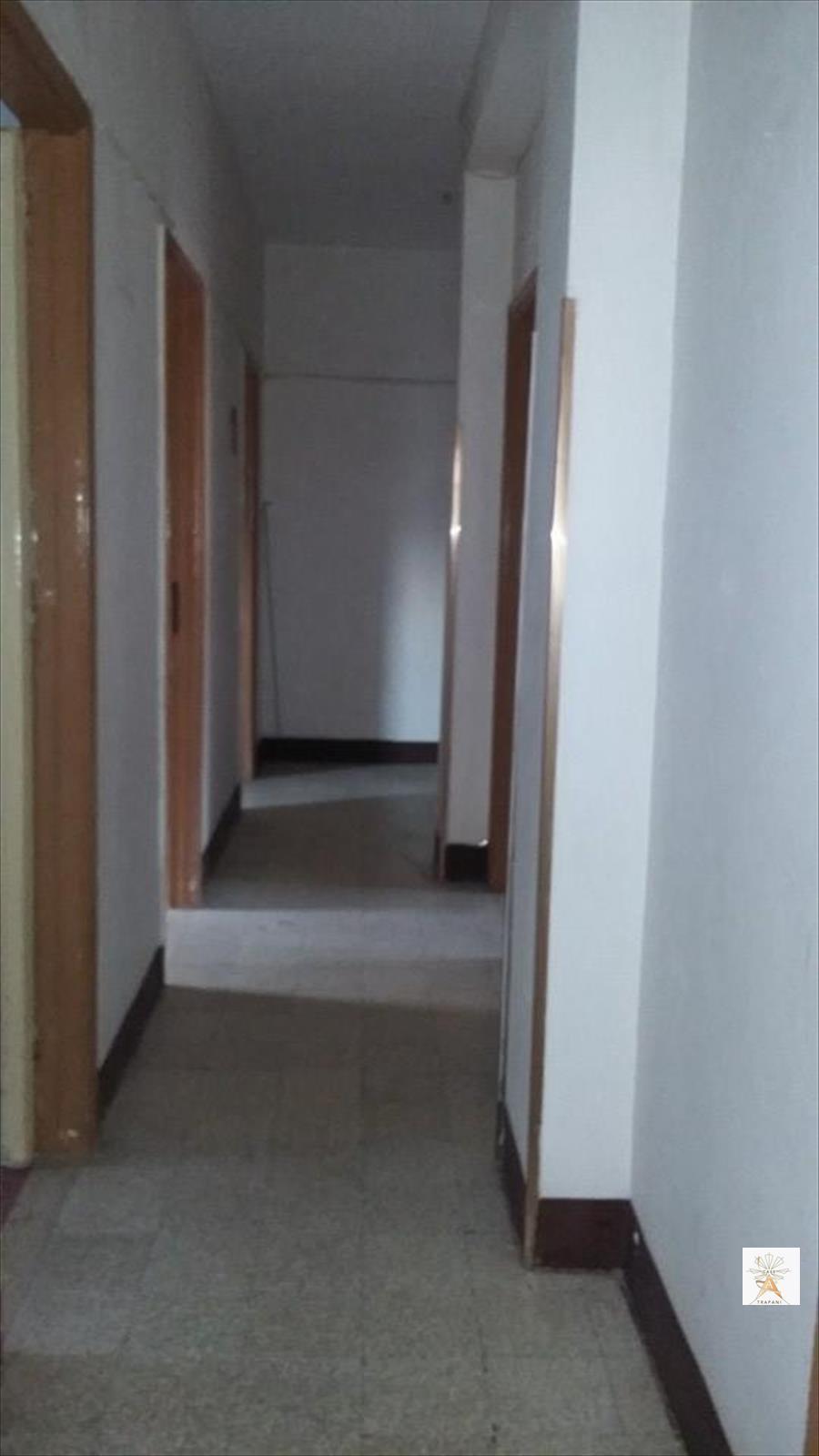 Appartamento in vendita a Erice, 5 locali, prezzo € 40.000 | CambioCasa.it